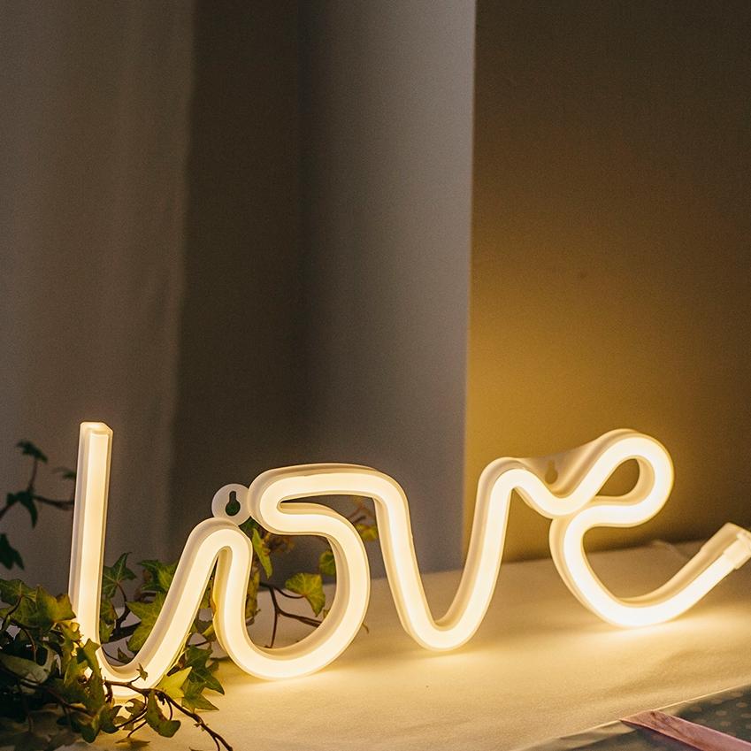 LOVE Led.jpg