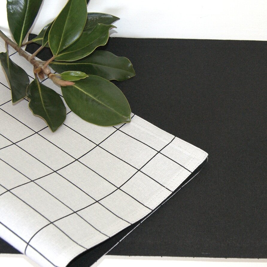 black+placemats.jpg