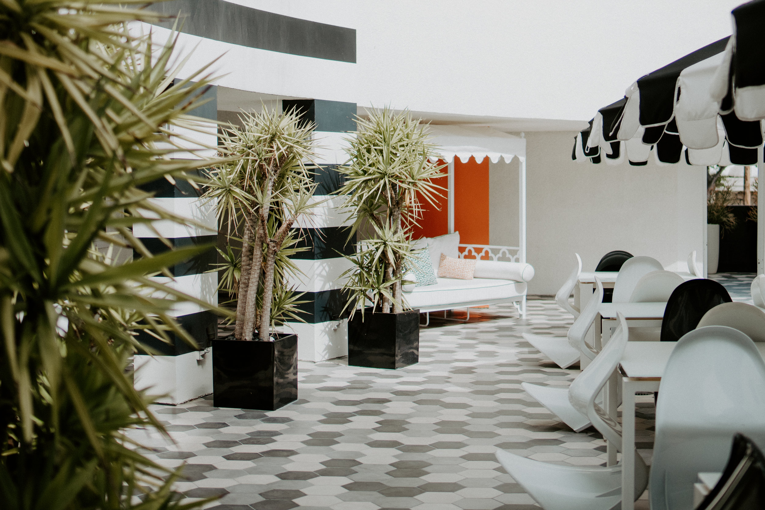 Carlyle Inn + LA Places | The Simplistic Chic