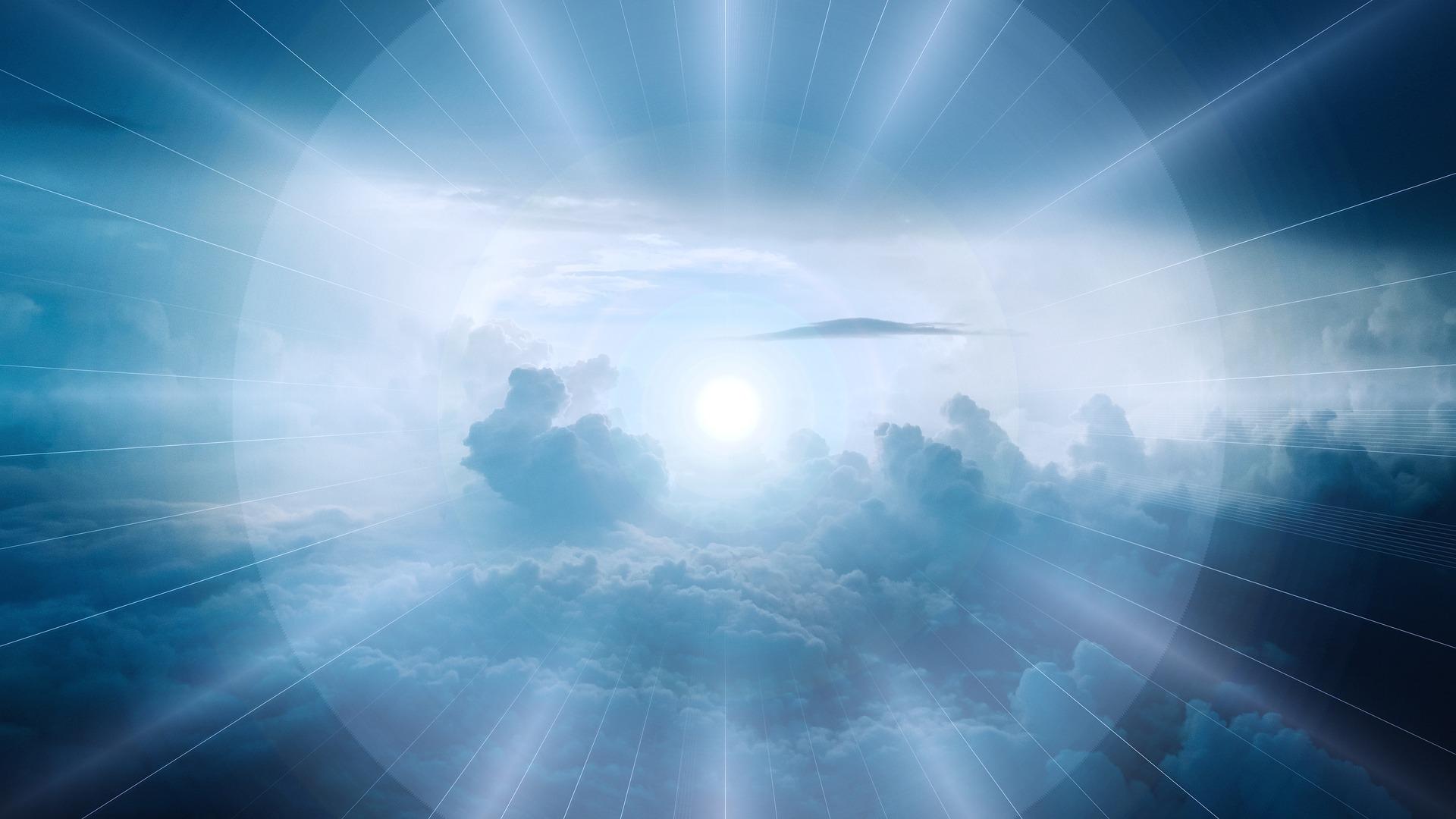 clouds-3978914_1920.jpg