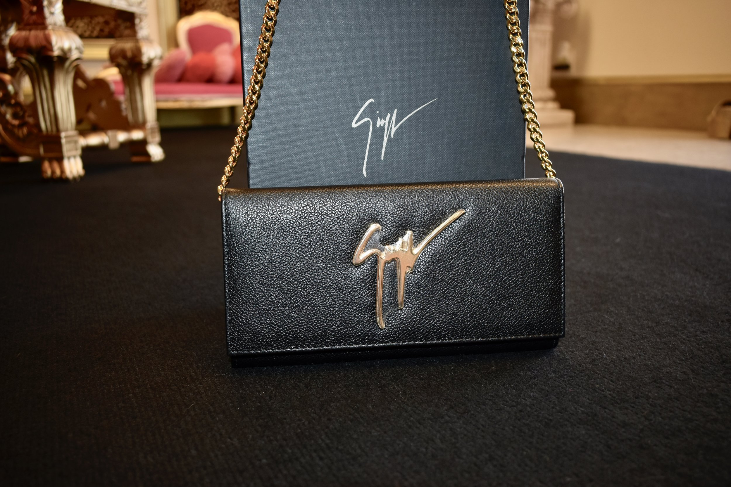 Giuseppe signature logo bag in black
