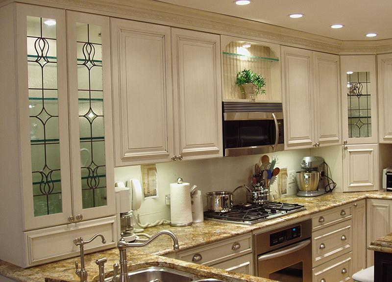 Glass kitchen cabinets white