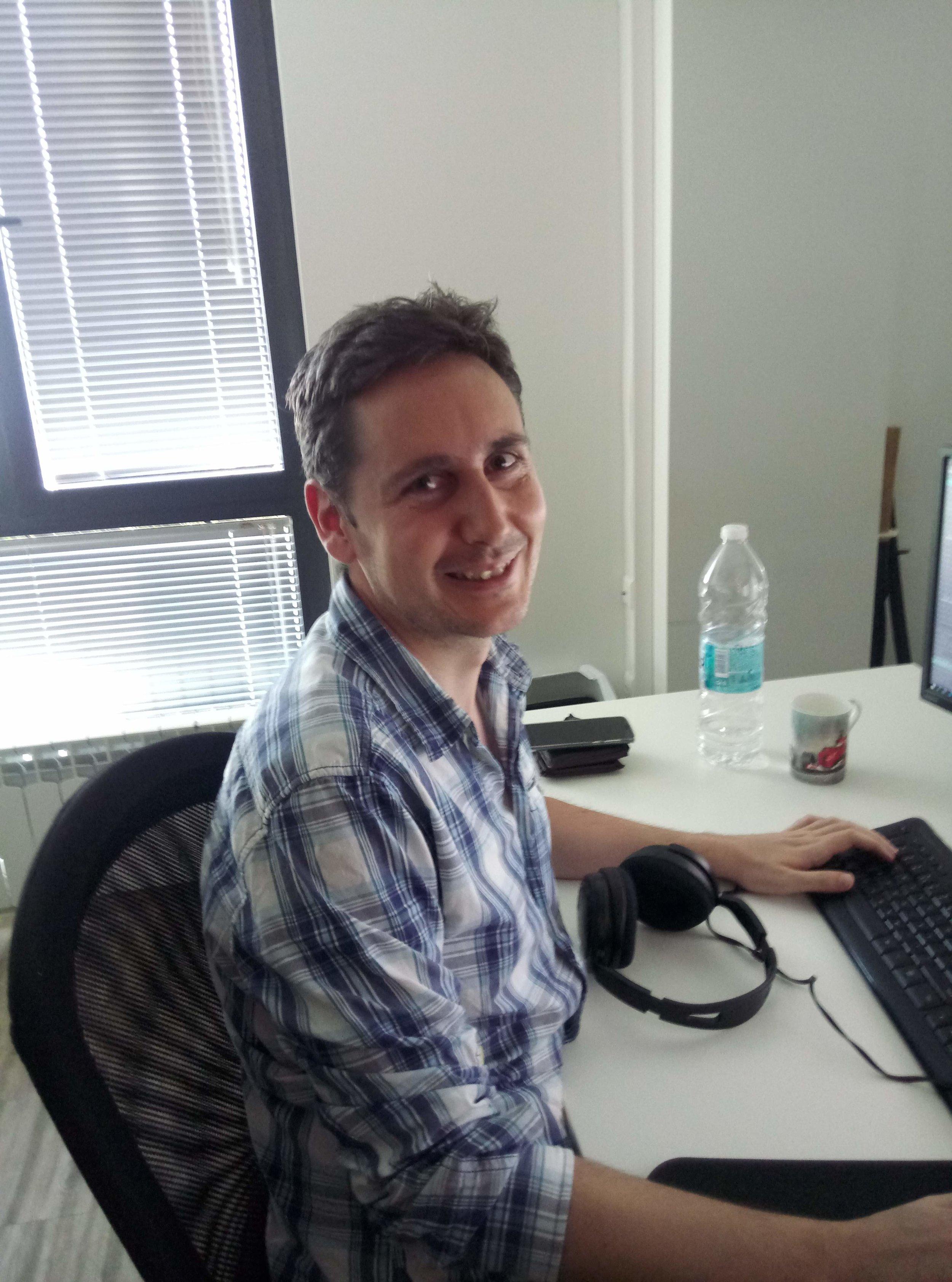 Hristian - Data Analyst and Designer