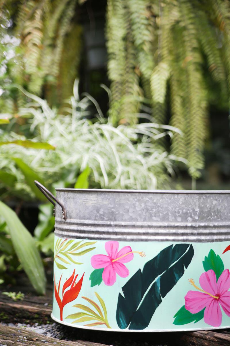 handpainted-bucket