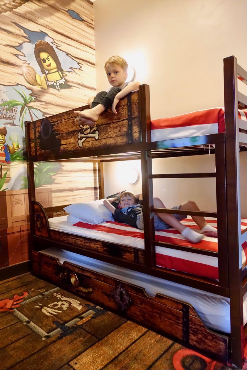 bunk beds ll.jpg