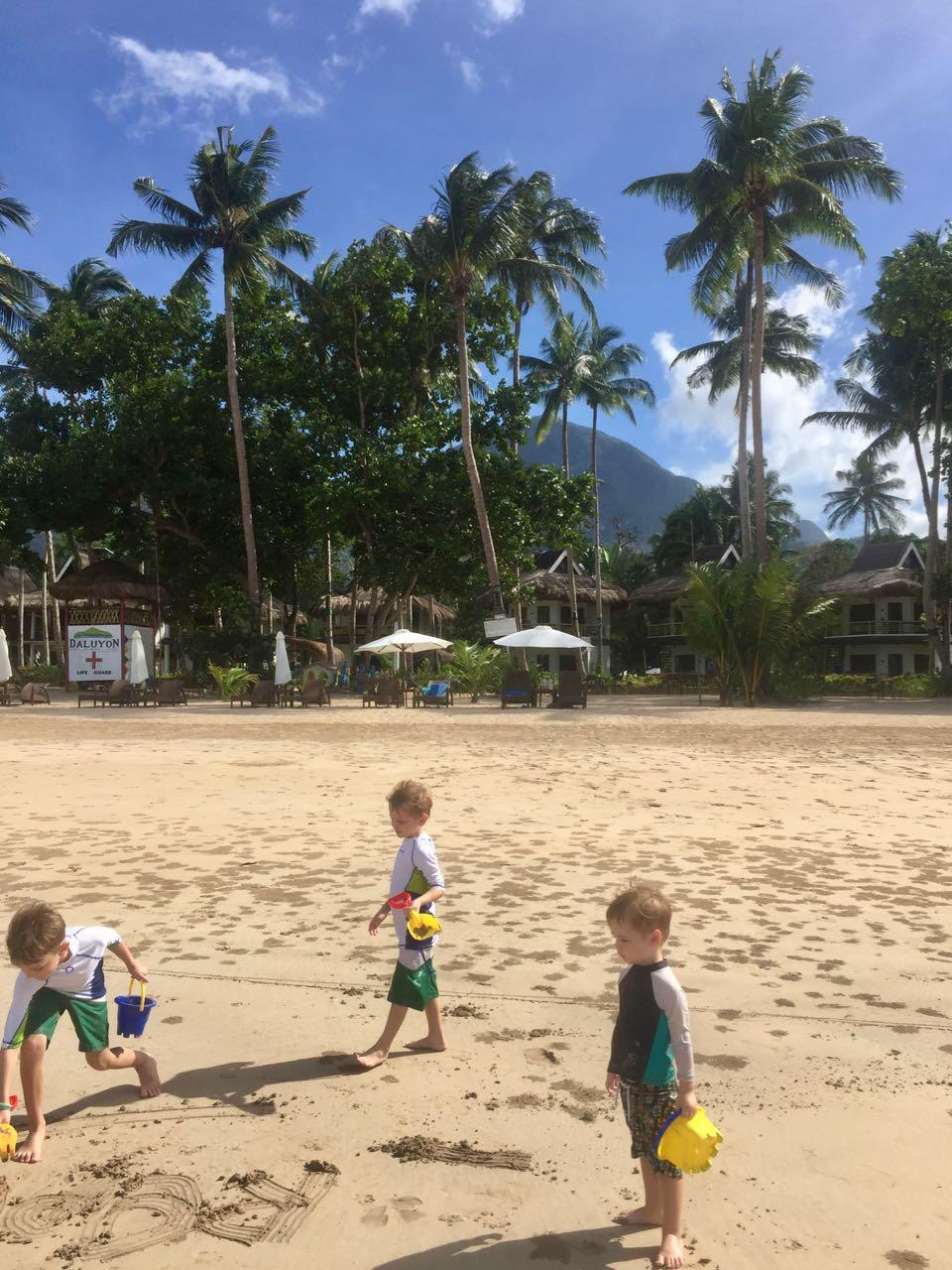 beach llll.jpg