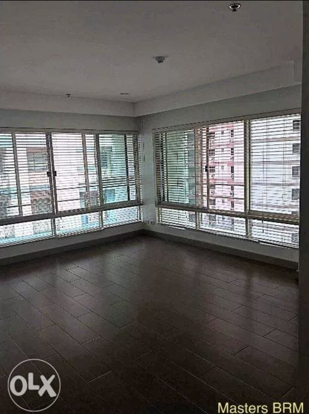 - NATURAL LIGHT & HARDWOOD FLOORS  Someone needs to jump on this propertyin Salcedo stat! Look at those floors! Look at those windows!