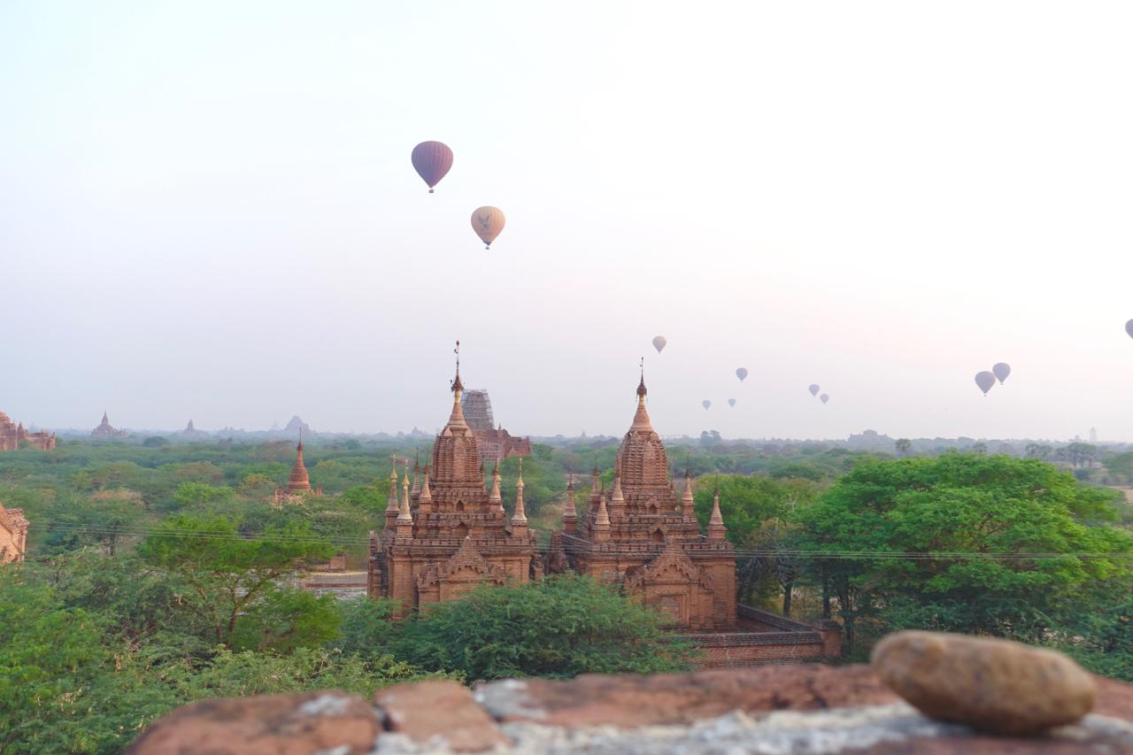 bagan hot air balloons.jpg