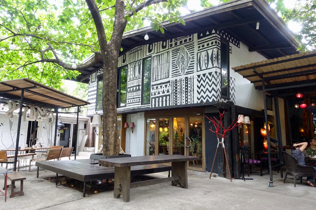 cafe 14 fourlv.jpg