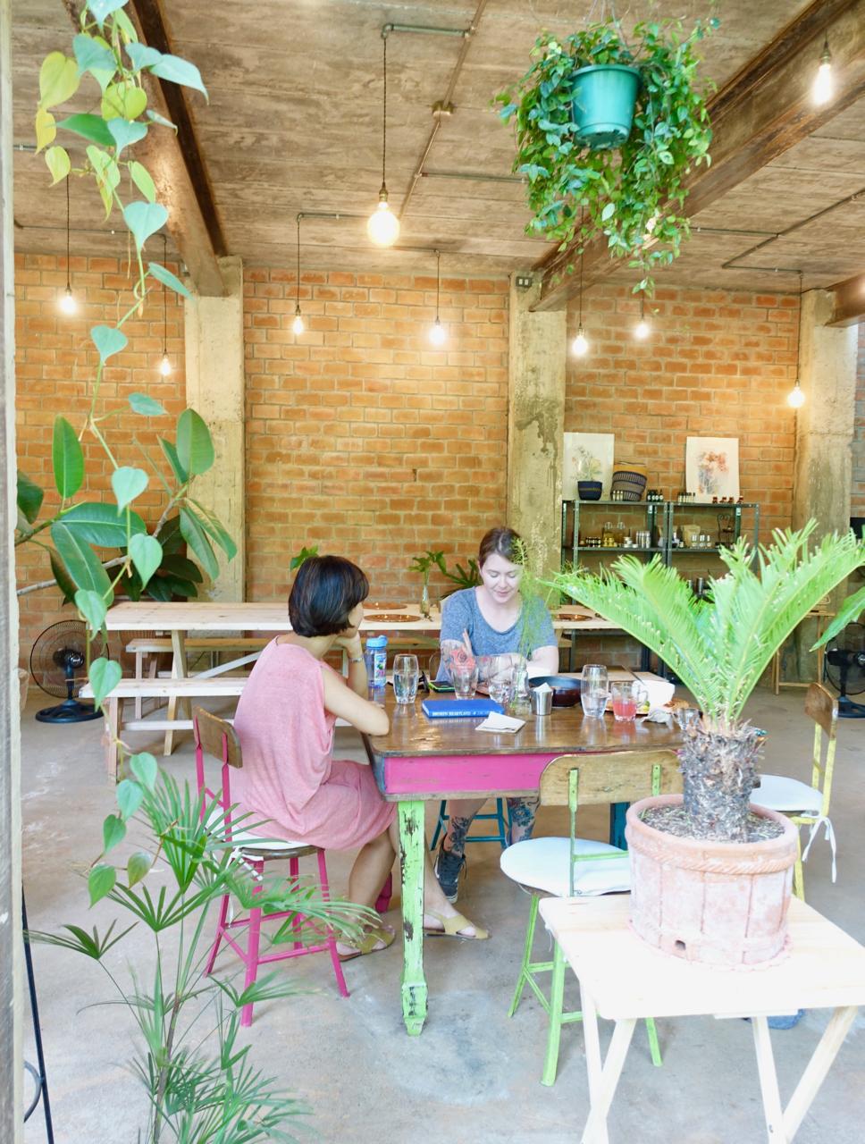 Burrow Cafe - Tucked away is a hidden gem