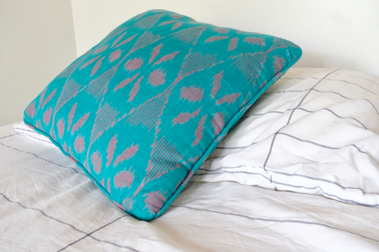 pillow l.jpg
