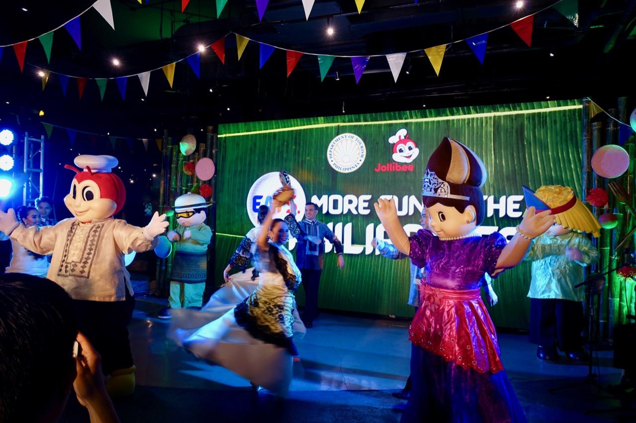 dancing jollibee ll.jpg