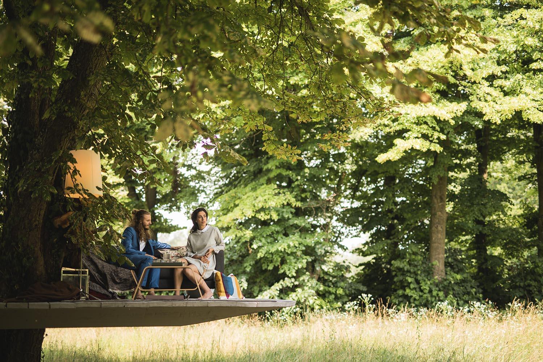 Paul and Franziska in their tree house © Wolfgang Lienbacher