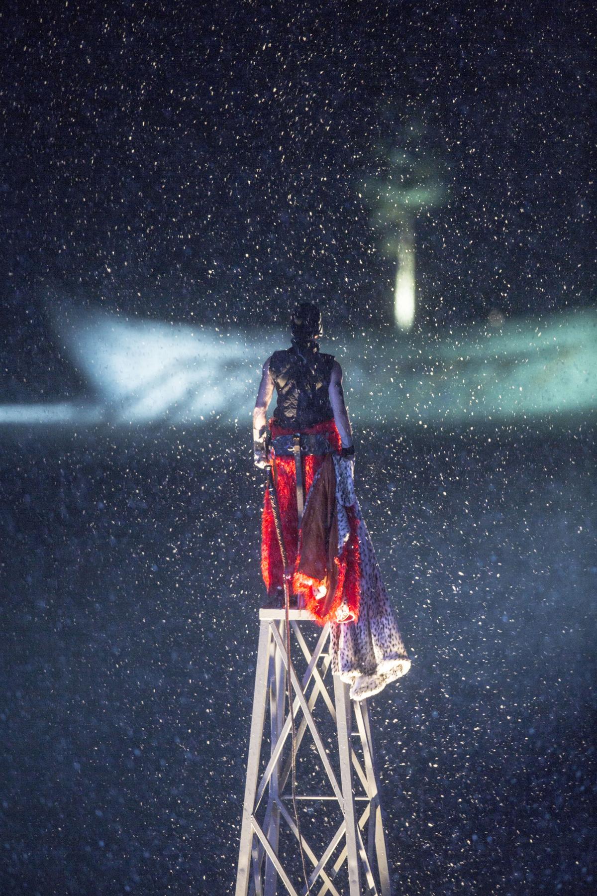 Hannibal von hinten mit Schiff Foto Lorenzi.jpg