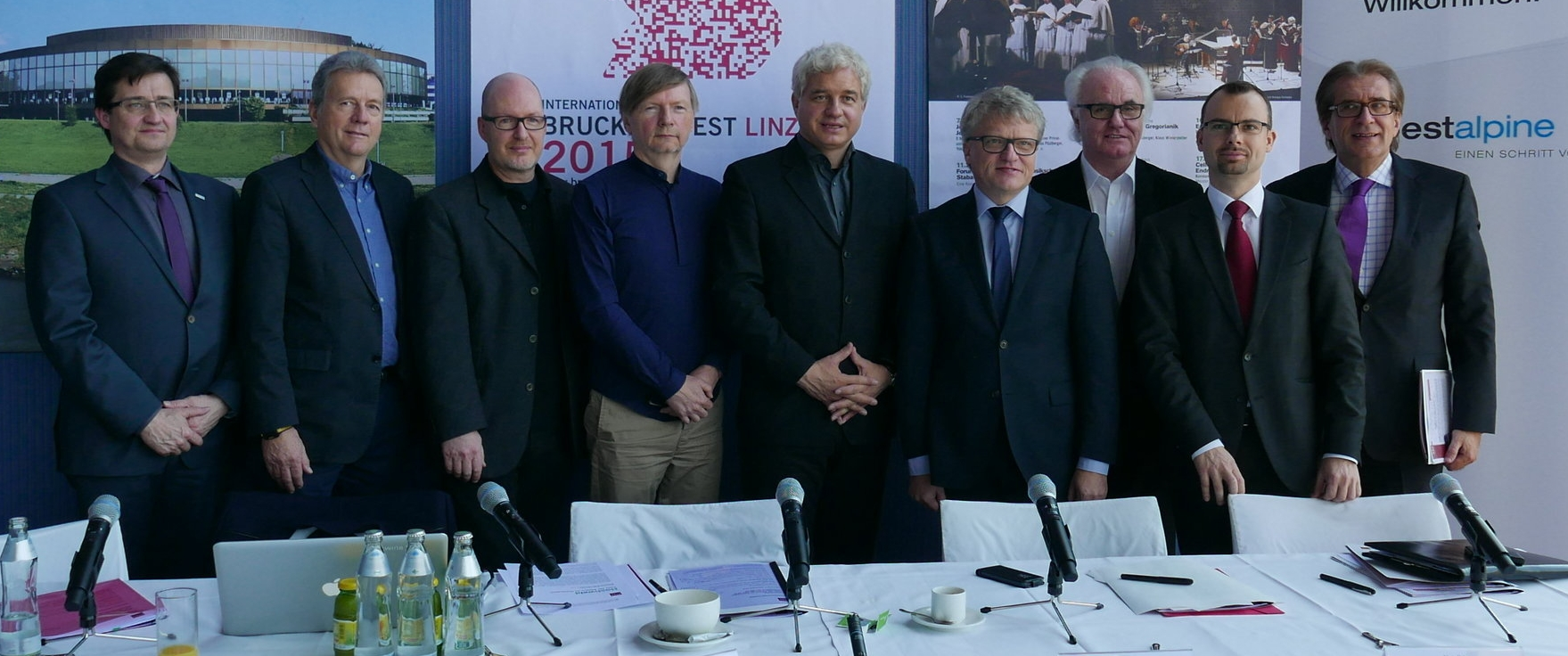 Press conference for Hochwald. Peter Valentin (3. from left) next to Hubert, Hansjoachim Frey and the major of Linz Klaus Luger.