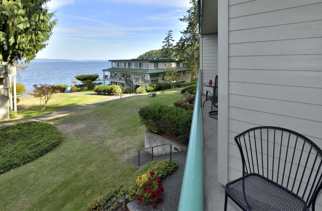 bedroom 2 ocean view and lodge.jpg