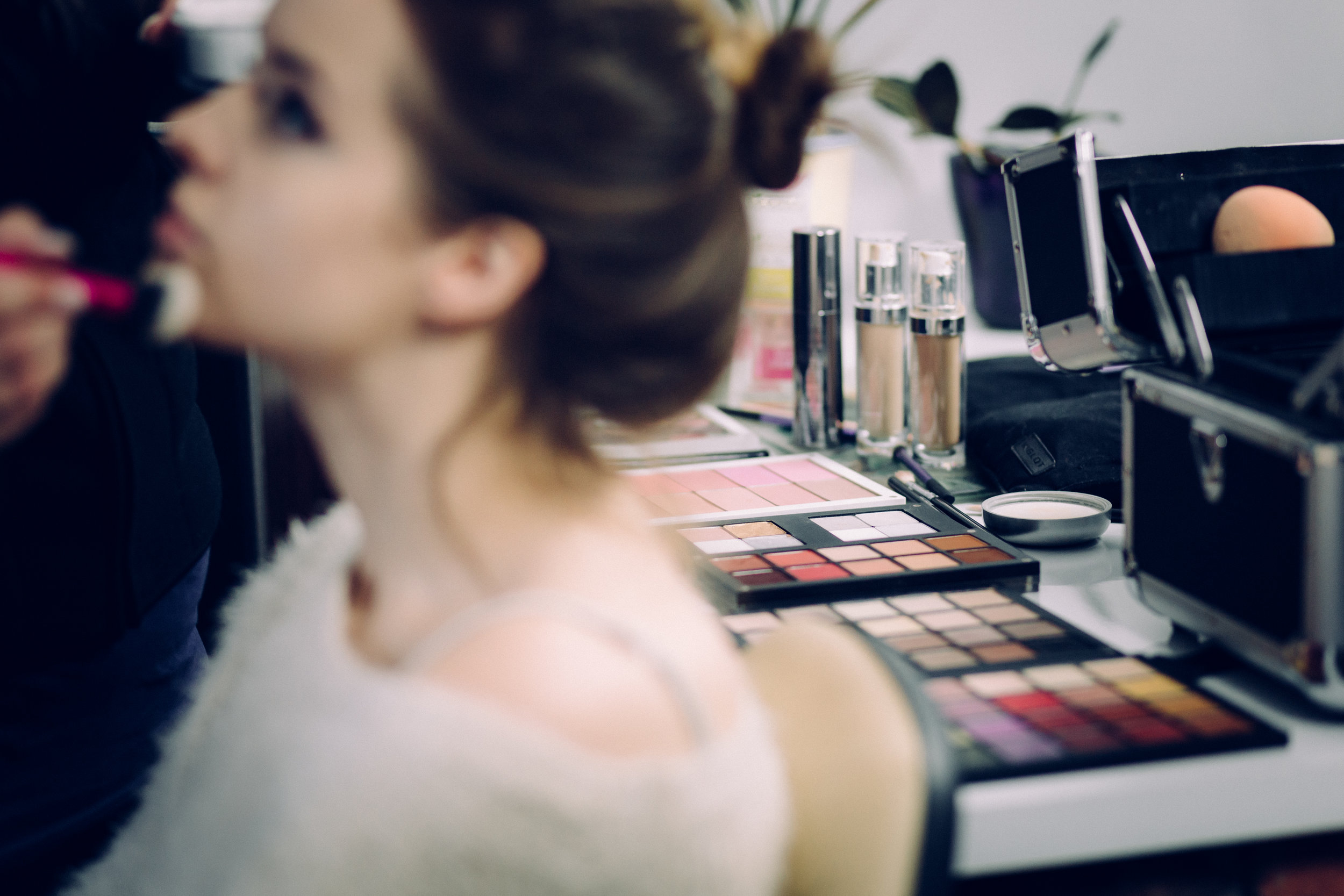 BOOK AN IN-STUDIO HAIR & MAKE-UP APPOINTMENT -