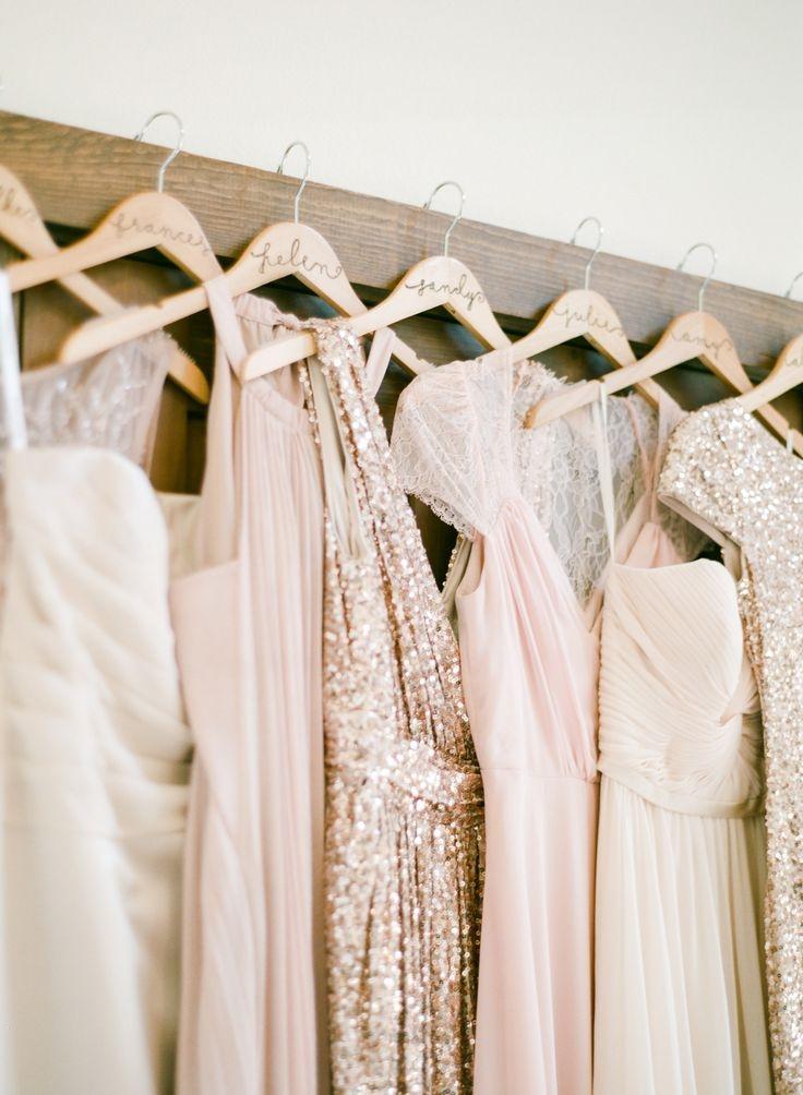 baf2d04682a065ac710288a003692aab--mismatched-bridesmaid-dresses-gold-bridesmaids.jpg