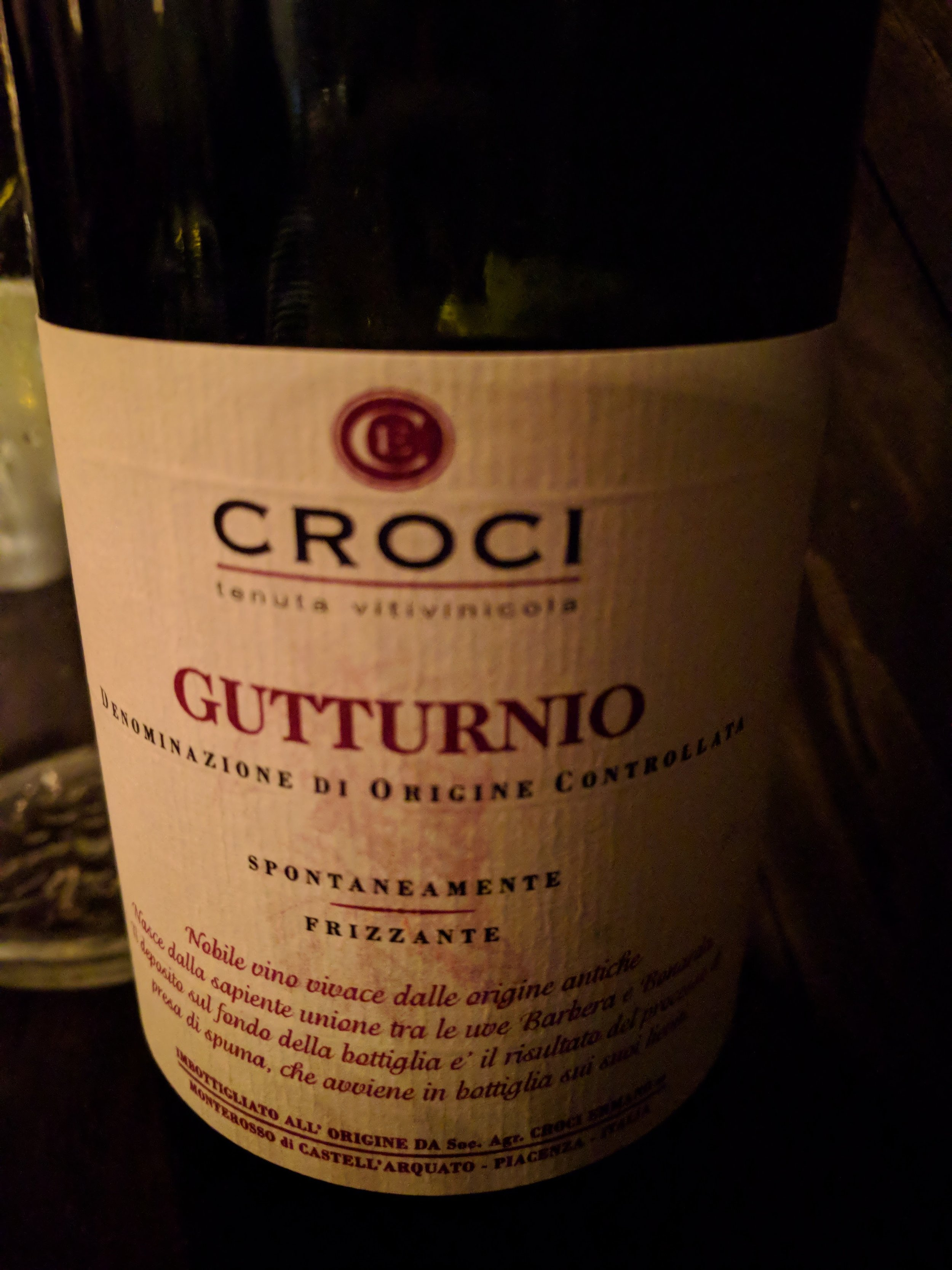 Modern Love , where we continued to devour so much that we were able to enjoy an  entire  bottle of this stunning Italian sparking red, which Isa recommended on the basis of it's similarity   to Manischewitz, true story