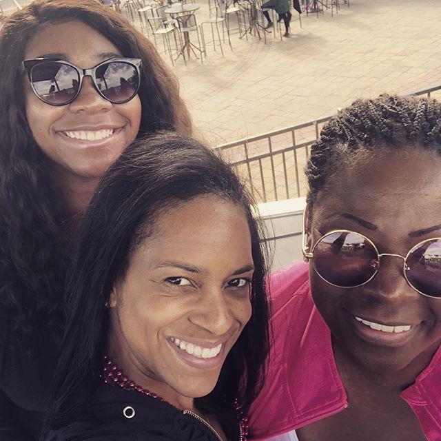 Sista strut with the lovely Ms @frankiedarcell #iheartradio #breastcancerawareness #eliminatebreastdisparities #breastscreening #sistastrutphilly2019 #sistastrutphilly @cooperuniversityhealthcare