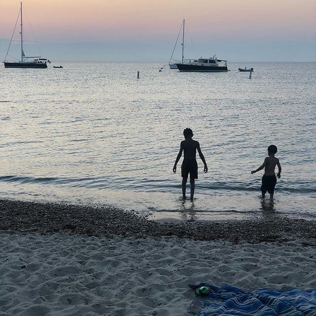 Life should be so simple! Take a moment and breathe. • • • • #mvliving #kidsofmarthasvineyard #marthasvineyard #kidsofinstagram #sunset #beaboyz #vacationmode
