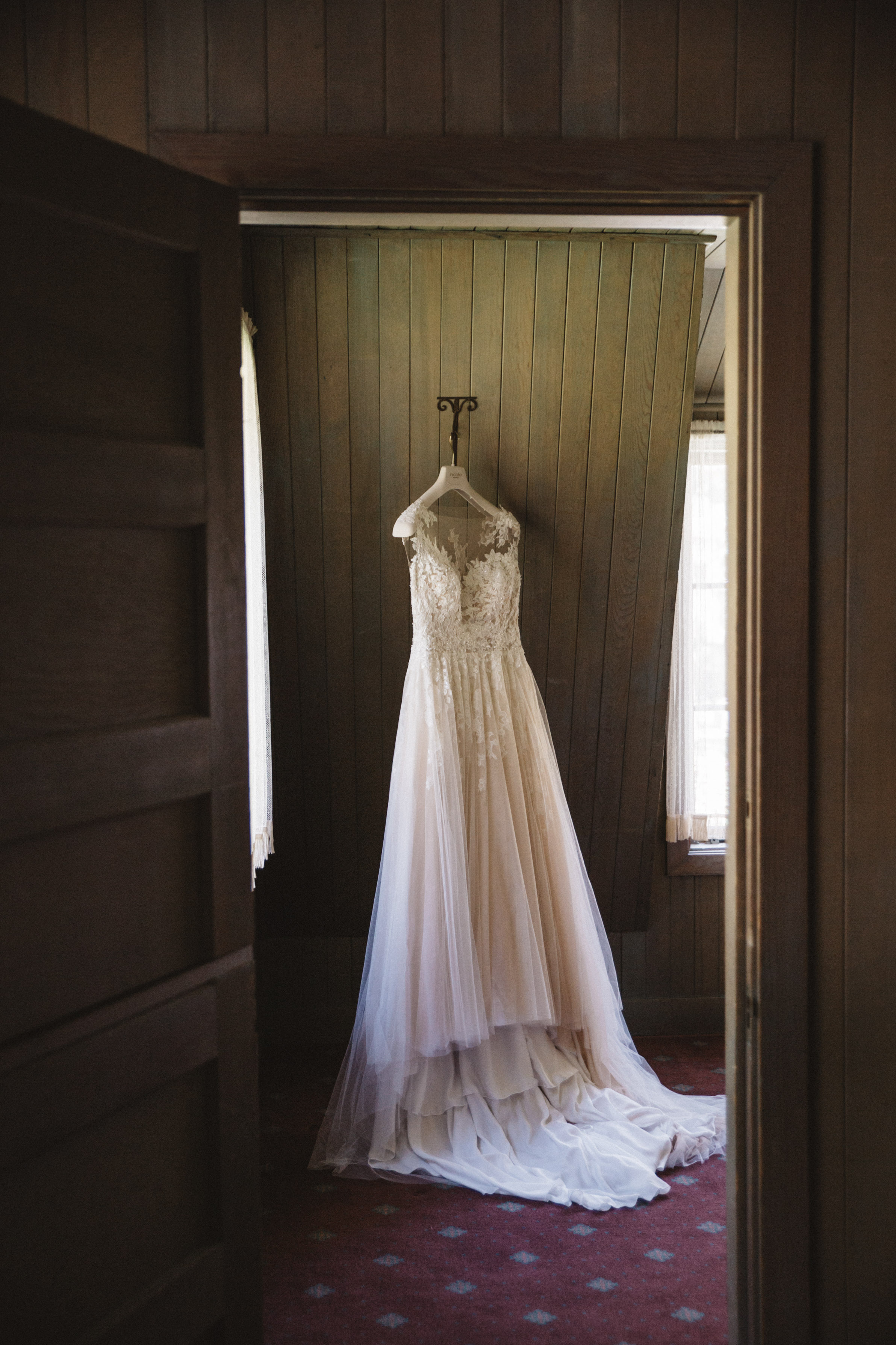 THE DETAILS: - DRESS: NICOLE SPOSEVENUE: VALHALLA TAHOE