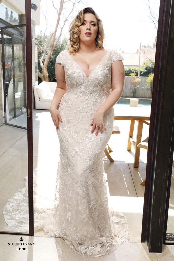 Plus_size_wedding_dress_Lana-(1).jpg