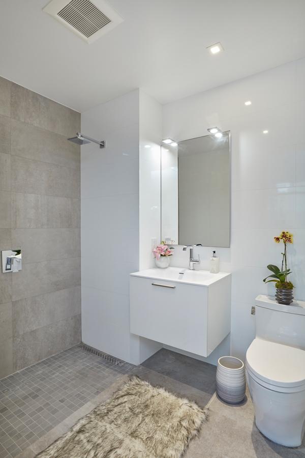 arcadia-lic-bathroom.jpg