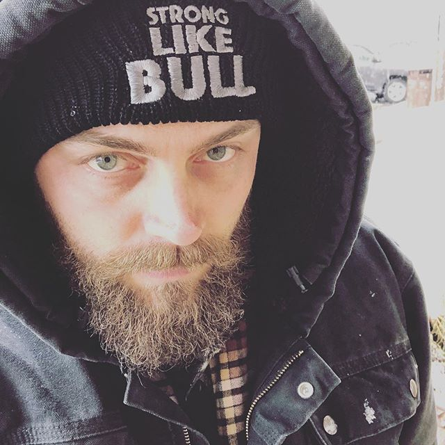 @stronglikebullofficial and @carhartt seem to go hand in hand when it comes to a sweet winter storm.  www.iamstronglikebull.com  #twentyfiveeightlifestyle #thecommander #theog #stronglikebull #stronglikebullbeanie #beanie #truckee