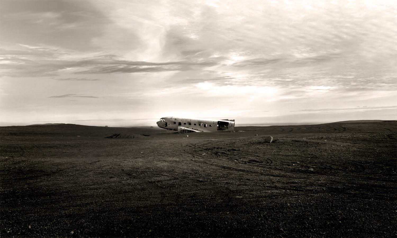 plane LANDSCAPE ICELAND.jpg