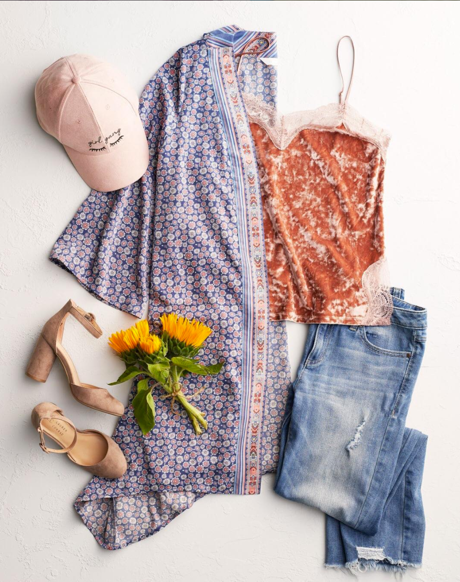 Velvet in August? Totally. Click here to shop the @LCLaurenConrad #ootd.