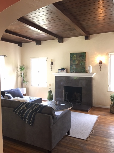 Working with a clean slate, we transformed this Spanish beauty into a cozy, chic and ready to move into home. Lucky we had beautiful hardwood floors, arched doorways and high beamed ceilings to work with.