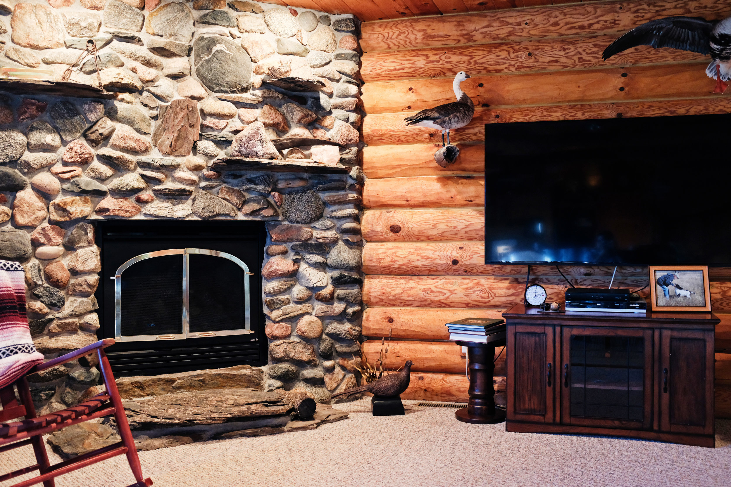 High-speed internet, Satellite TV by Dish Network, and a fireplace makes The Last Resort your home away from home.