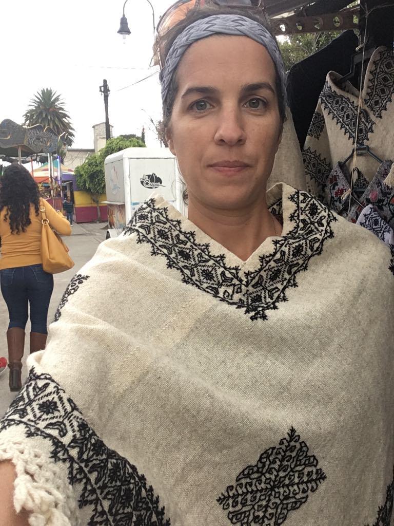 Quexquemetl fine wool b:w PUE.jpg