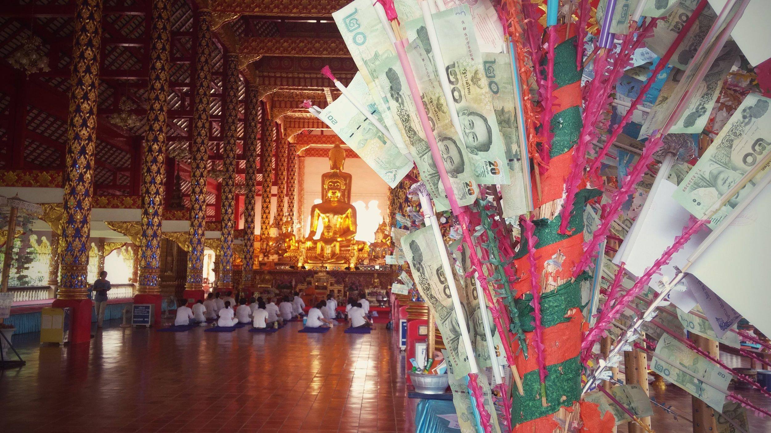 """Inside Wat Suan Dok (""""Flower Garden Temple"""") in Chiang Mai"""
