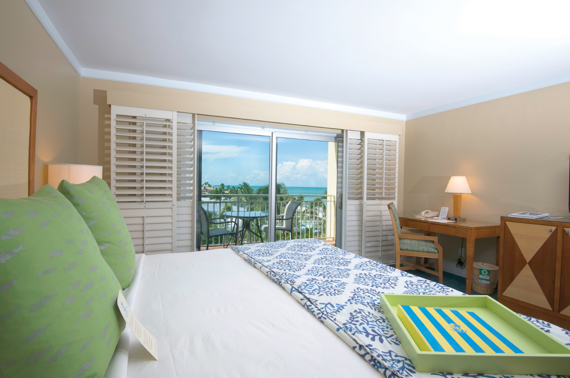 Guestrooms are situated among six beachfront buildings, including 319 guest rooms and suites, with tropical dècor, plush soft goods and comfortable furnishings. The scene is complete with views of the resort or the Gulf of Mexico from your patio or balcony.