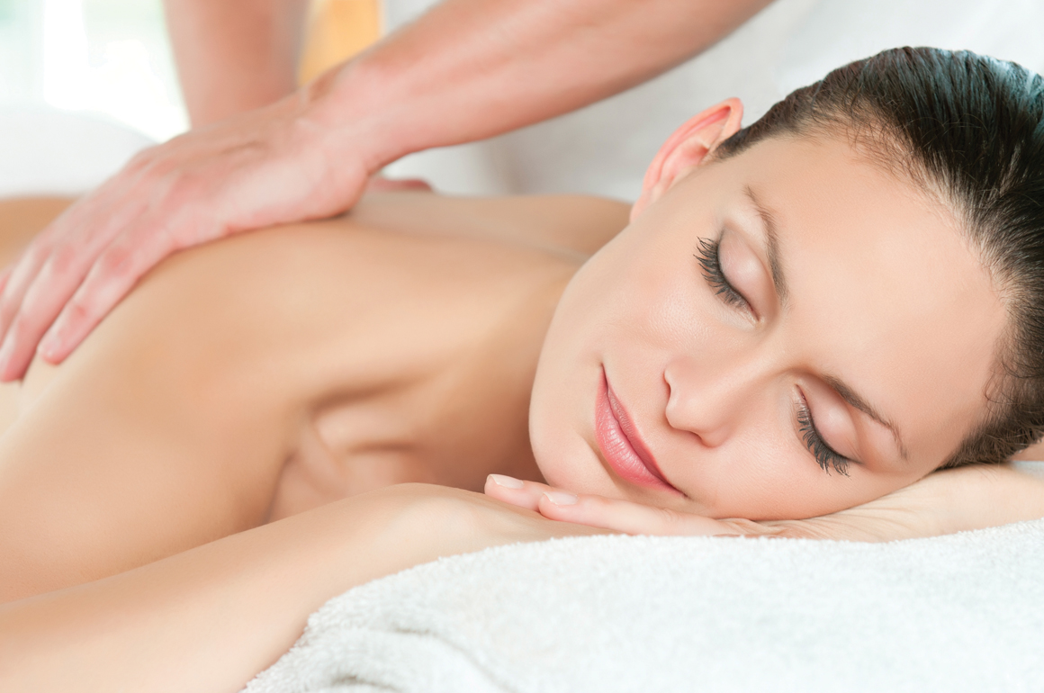 The trained therapists provide a full range of indulgent treatments to help you experience the pleasures of personal well-being. Treat yourself to it all, from Naples' best massage and soothing skin treatments to age-defying facials.