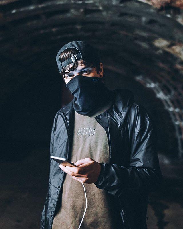 Subterranean loitering 👣📸Shot by @lamarrioafrobeast
