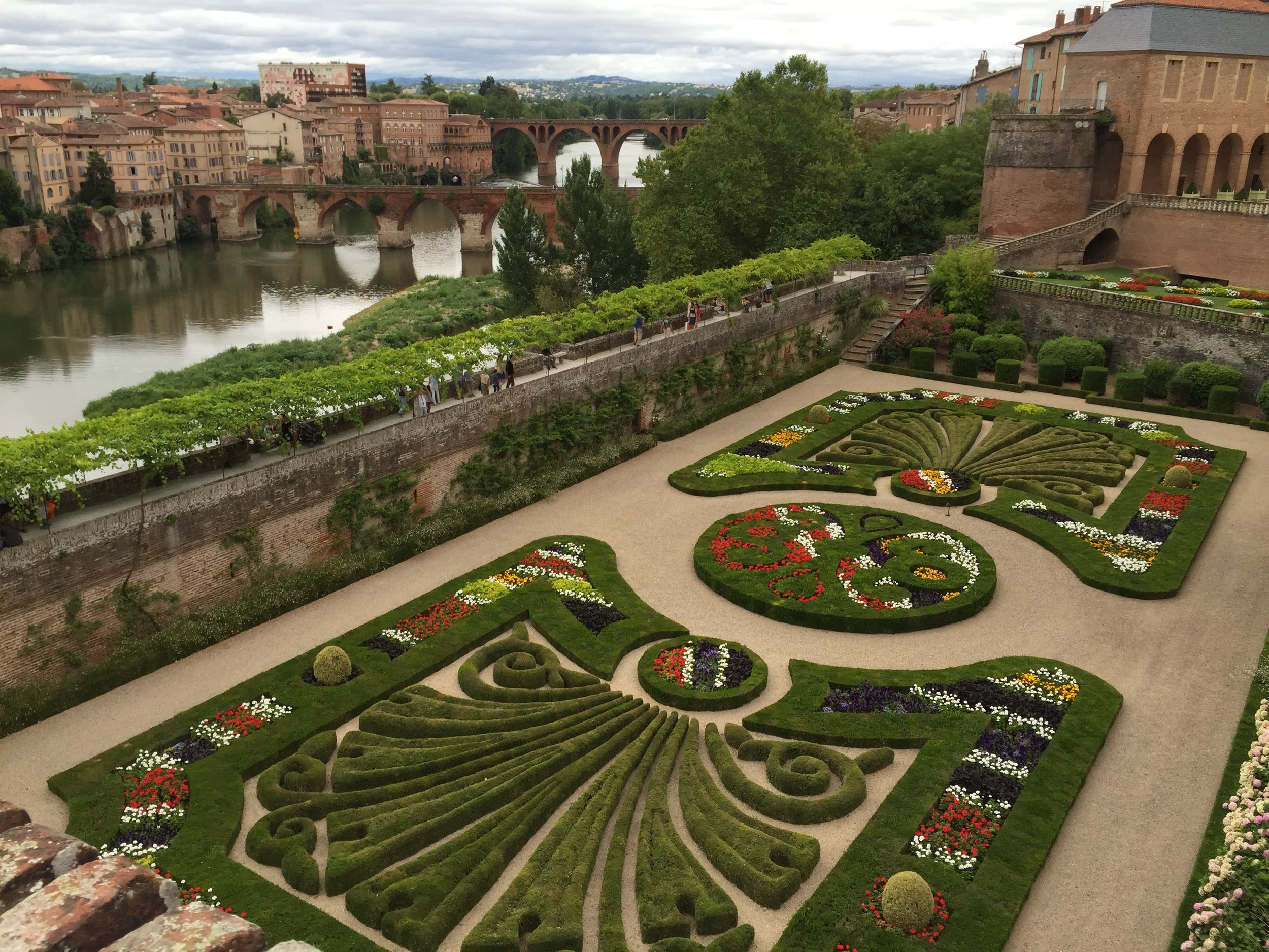 A classical garden is part of Palais de la Berbie which is the home of the Toulouse Lautrec Museum.  It is a UNESCO World Heritage Site in Albi, a 30 minute drive from Ambialet.