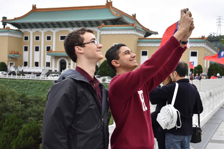 A selfie being taken at the National Palace Museum