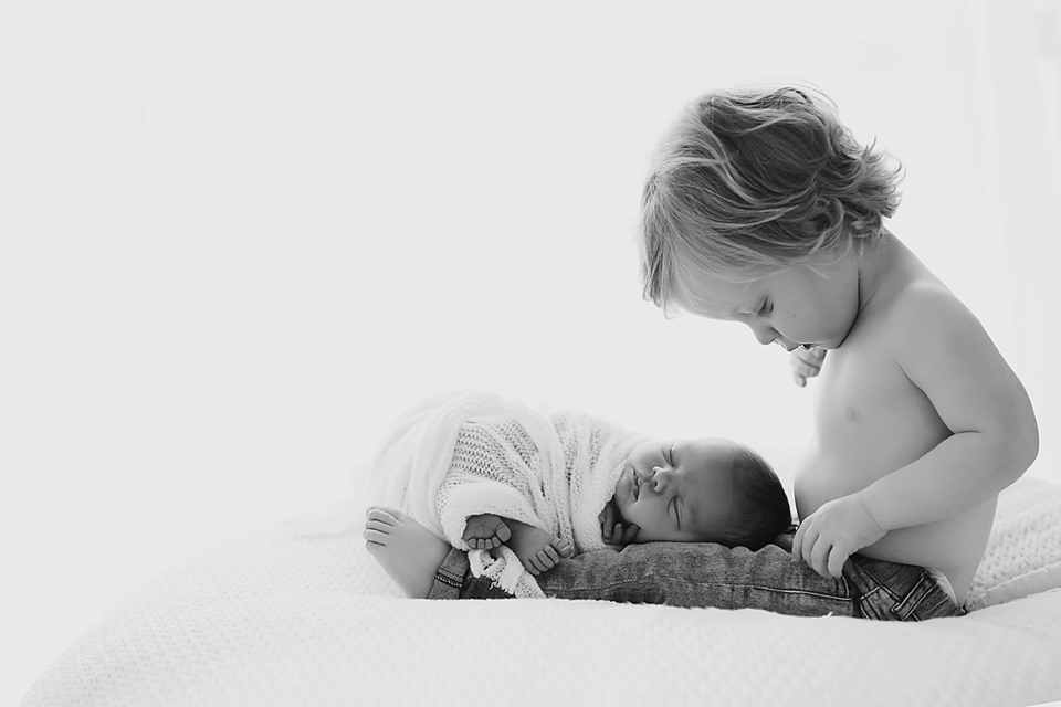 Melbourne newborn photography - siblings