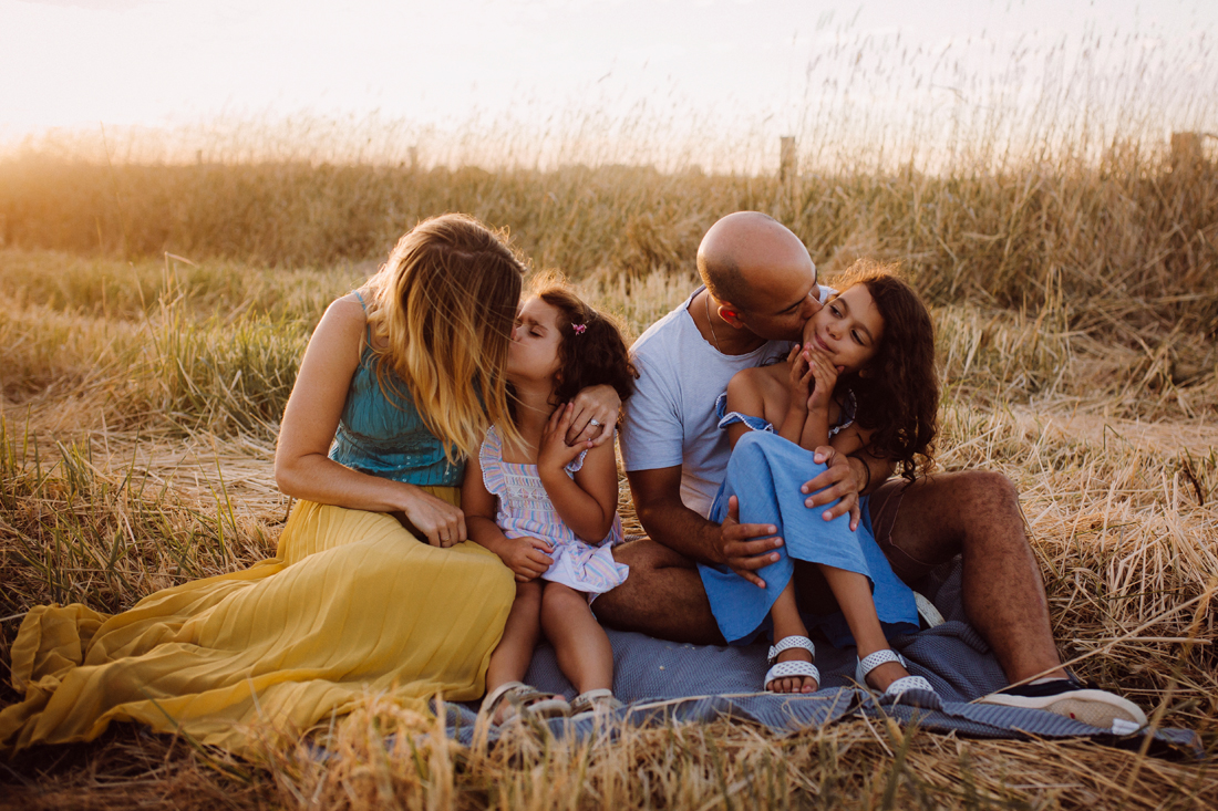 Family portrait - candid - kiss - Melbourne family photographer