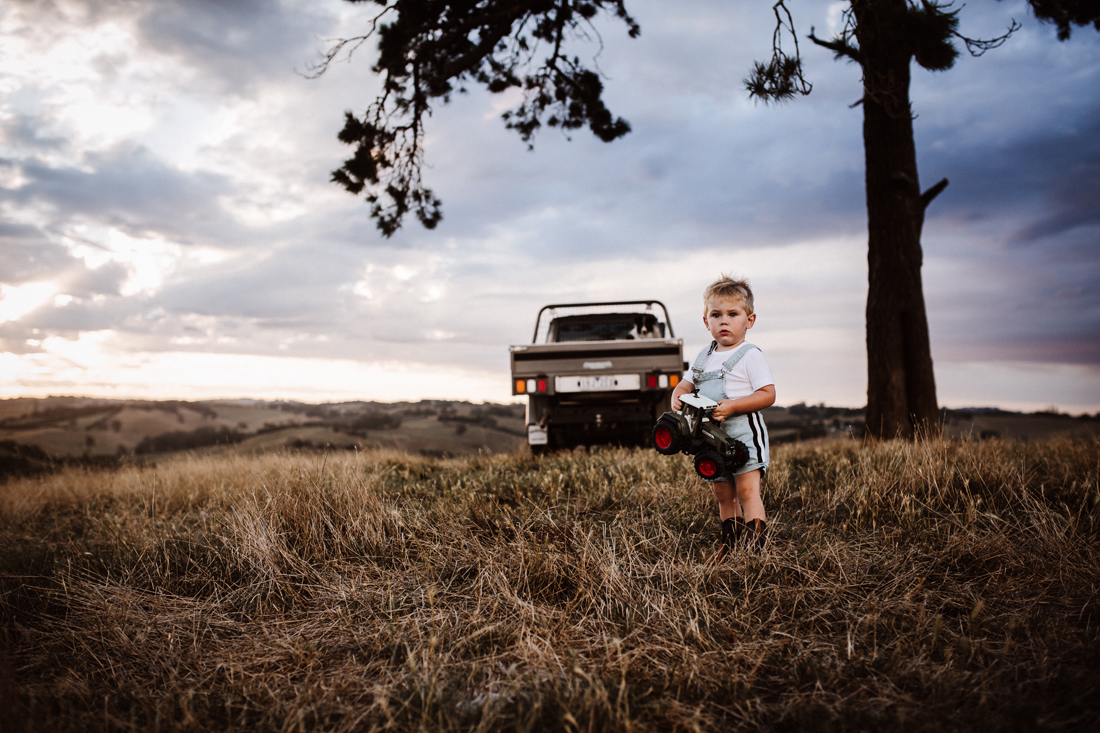 Family shoot - country kid - South Gippsland