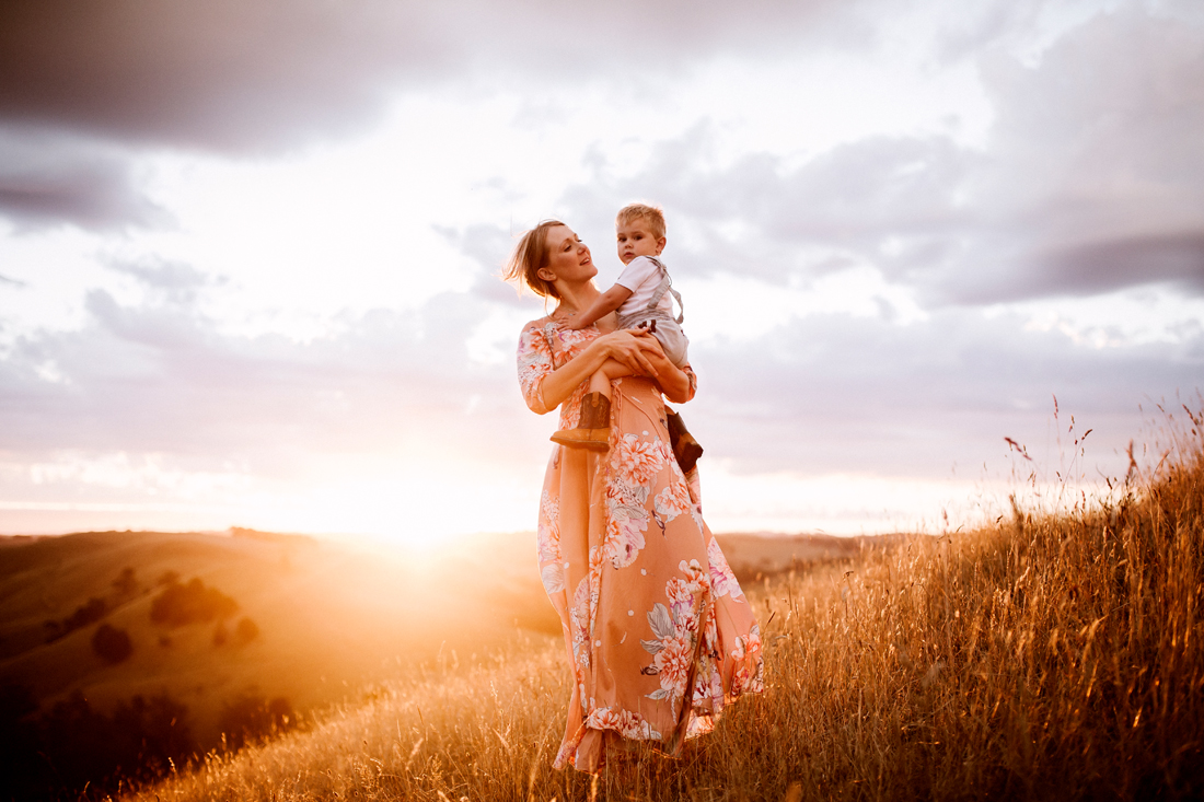 mother and sun - golden hour - family photography melbourne