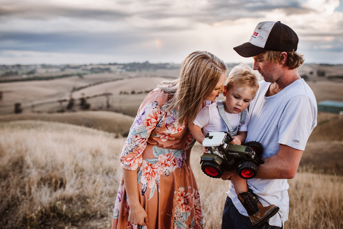 Telling secrets - family - family photographer - family shoot South Gippsland