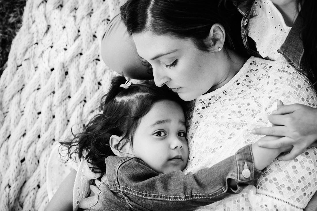 Mother and Daughter cuddles - Melbourne family photographer