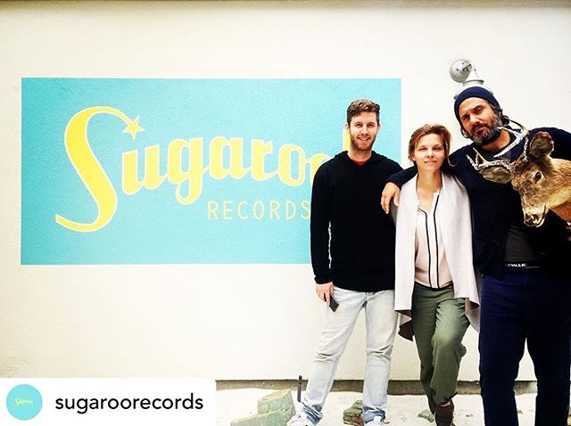 In LA for the week 🇺🇸— Posted @withrepost • @sugaroorecords Sugaroo! Writer's Camp Day 2!!! Broke the rules and added a 4th participant to @jim_bianco @megan_thelasttownchorus and @lr.jackson 's writing session 🦌 What percentage of the writing credit do you think he should get?