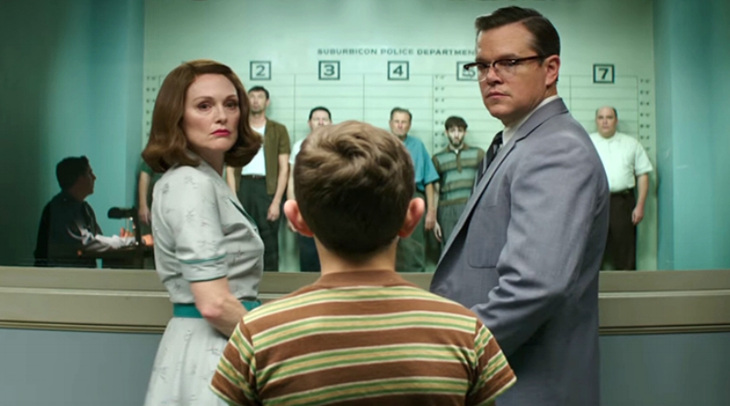 Julianne Moore and Matt Damon look dispassionately back at a bored audience.