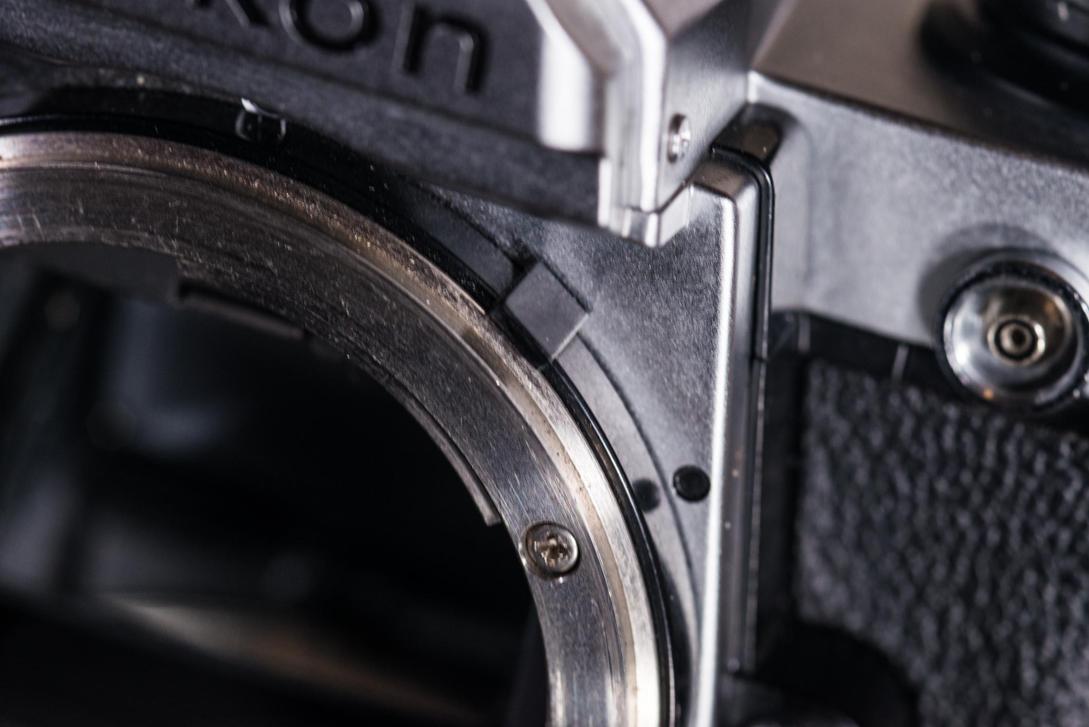 FM2's plastic aperture indexing ring.