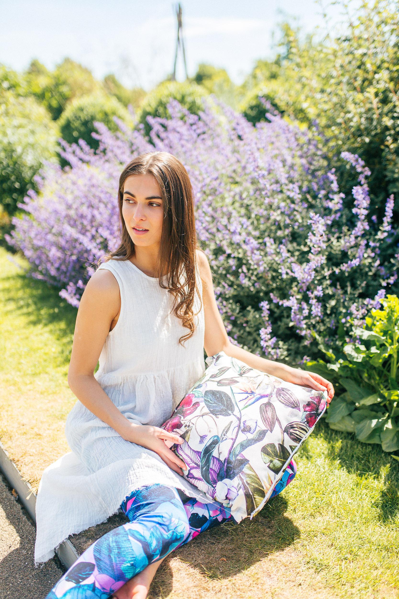 Model:  Anya Conlon